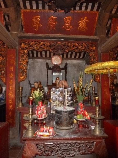 Chinh dien chua Dau