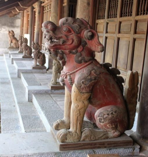Nghe-o-Thai-mieu-nha-Le-963x1024