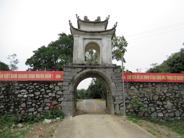 Cong den Dong Co